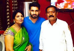 Akhil sarthak family members